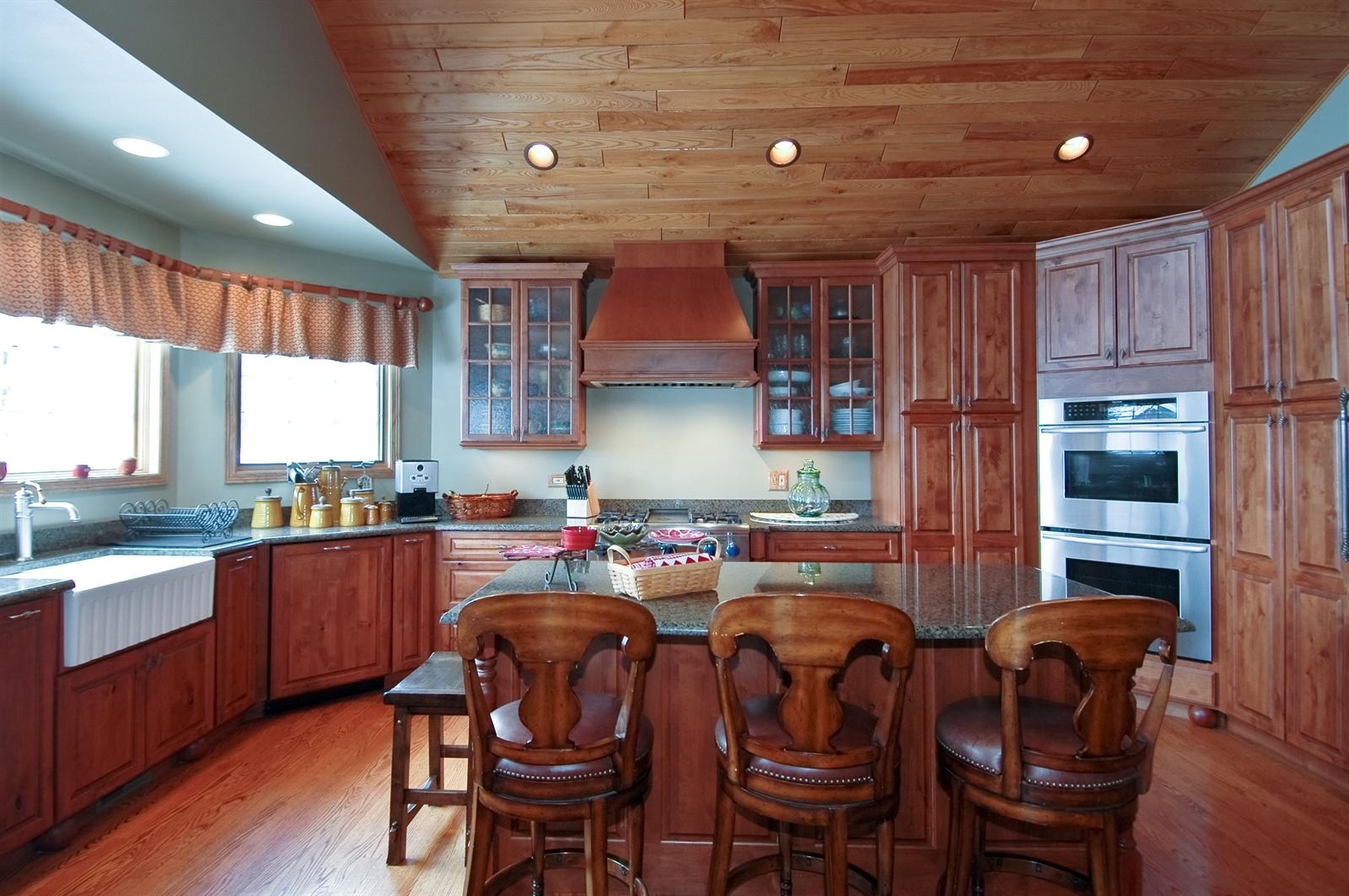 Real Estate Photography - 405 Concord Ave, Fox River Grove, IL, 60021 - Kitchen