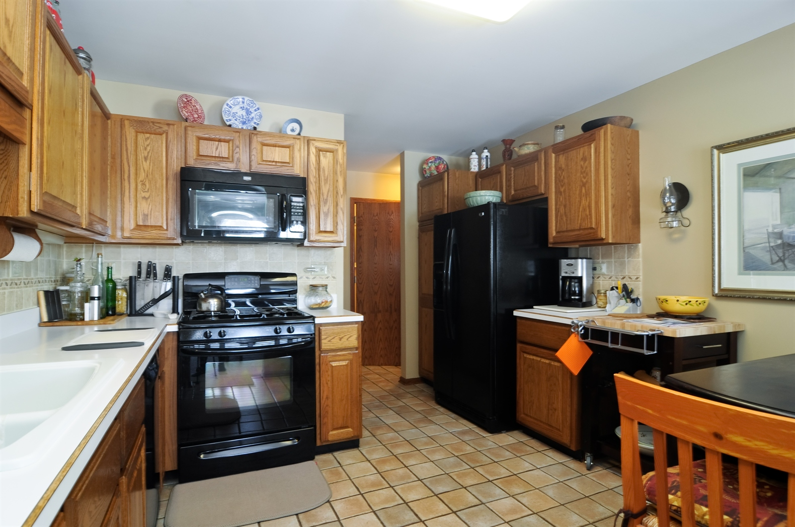 Real Estate Photography - 190 Millers Crossing, Itasca, IL, 60143 - Kitchen