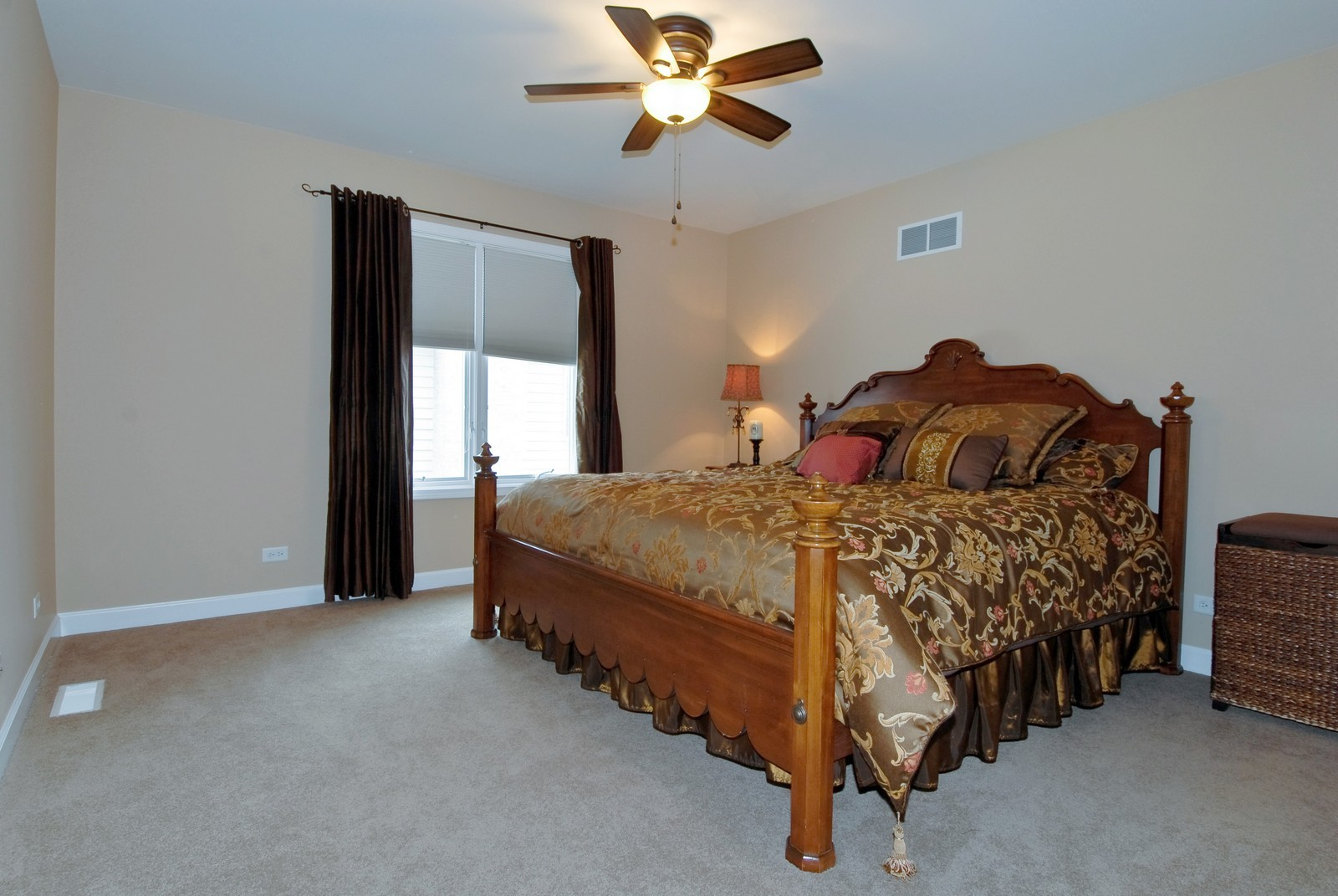 Real Estate Photography - 701 Ashton Ln, South Elgin, IL, 60177 - 2nd Bedroom