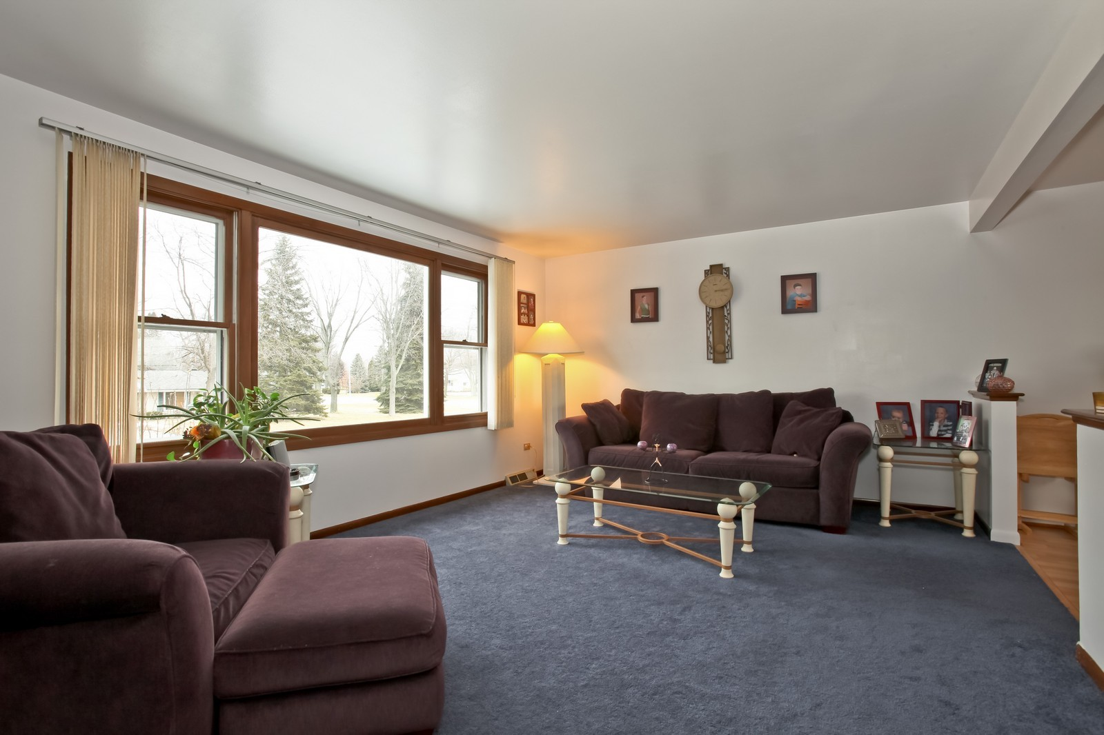 Real Estate Photography - 7609 W 173rd St, Tinley Park, IL, 60477 - Living Room