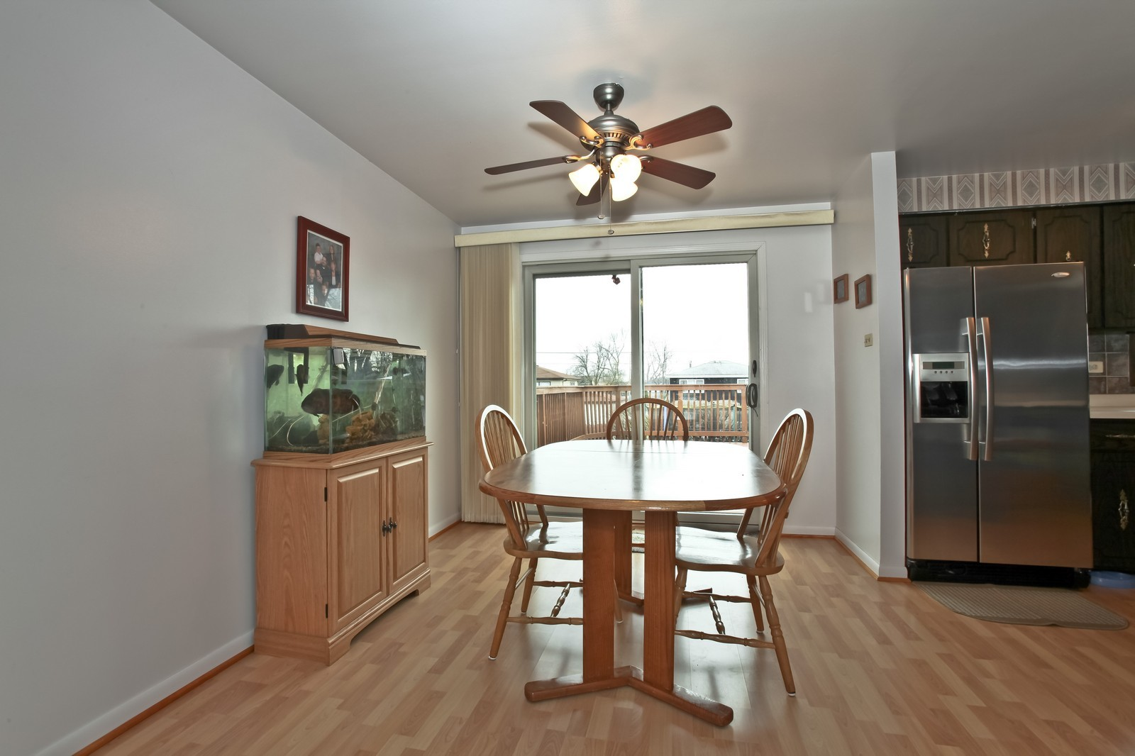 Real Estate Photography - 7609 W 173rd St, Tinley Park, IL, 60477 - Kitchen / Breakfast Room