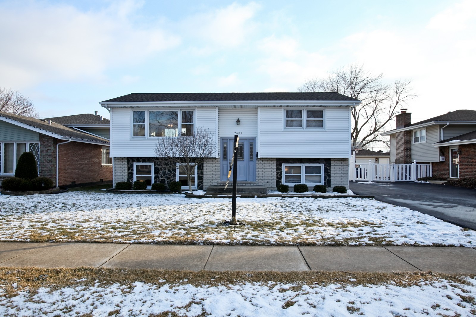 Real Estate Photography - 7609 W 173rd St, Tinley Park, IL, 60477 - Front View