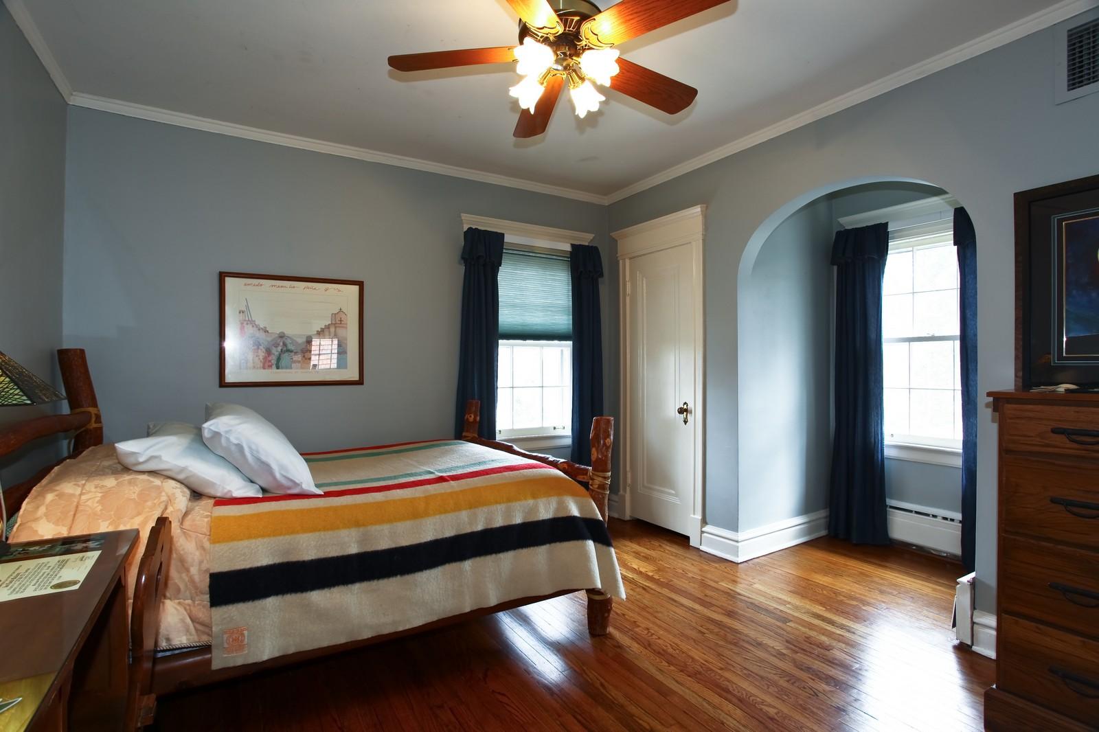 Real Estate Photography - 864 Woodland Dr, Glen Ellyn, IL, 60137 - 2nd Bedroom