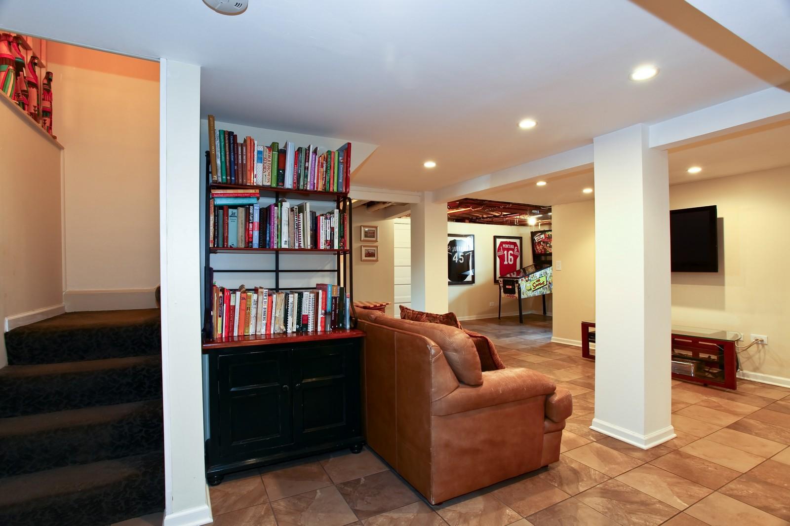 Real Estate Photography - 864 Woodland Dr, Glen Ellyn, IL, 60137 - Basement