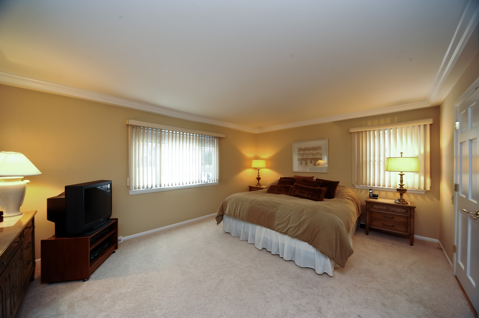 Real Estate Photography - 921 Oak Spring Ln, Libertyville, IL, 60048 - Master Bedroom