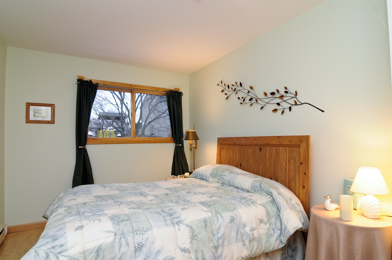 Real Estate Photography - 58 Vail Colony, Unit 6, Fox Lake, IL, 60020 - Master Bedroom