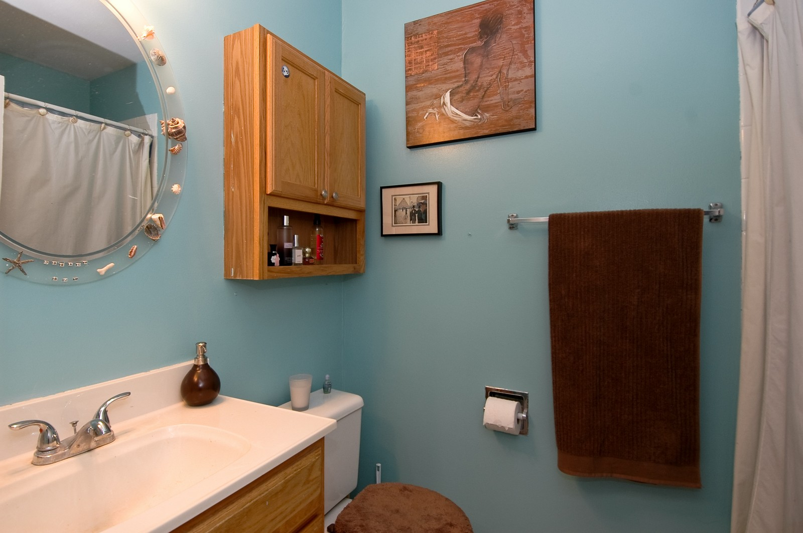 Real Estate Photography - 10 Bright Oaks Cir, Cary, IL, 60013 - Bathroom