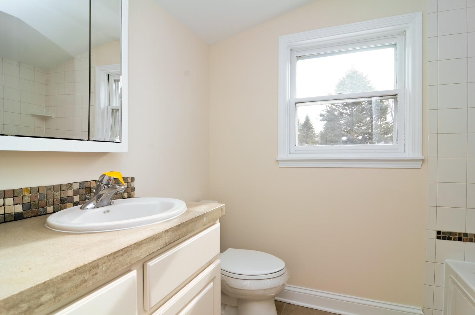 Real Estate Photography - 109 N River Rd, Fox River Grove, IL, 60021 - Bathroom