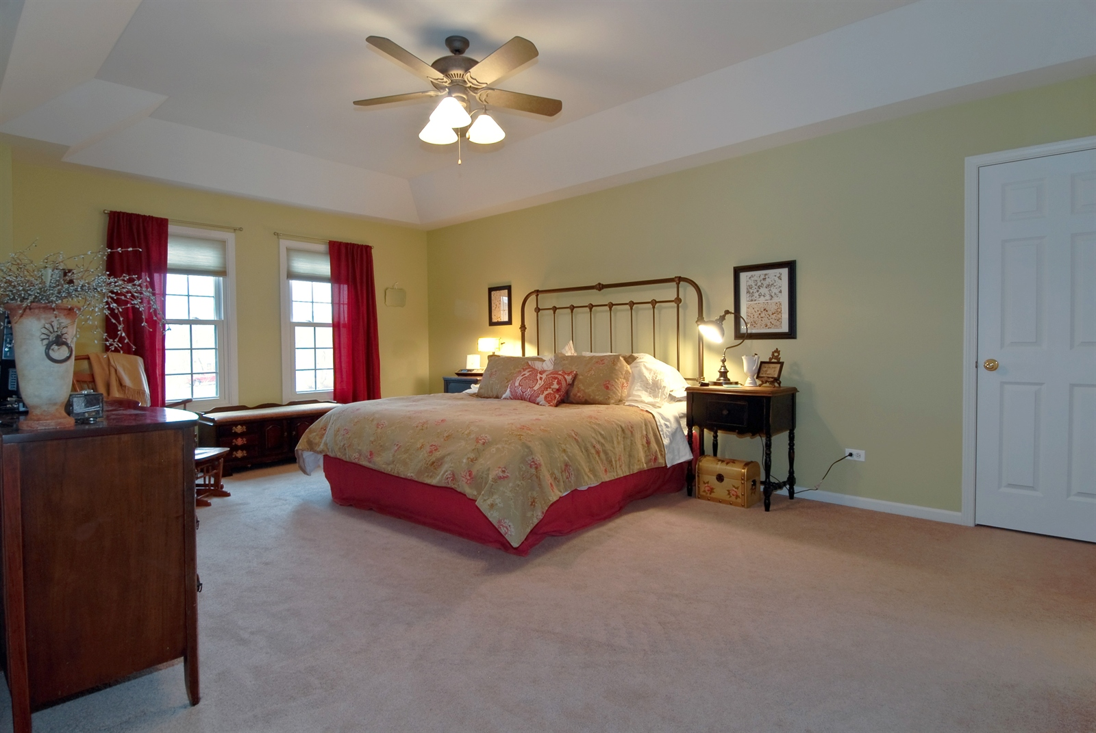 Real Estate Photography - 644 Dewig Ct, North Aurora, IL, 60542 - Master Bedroom