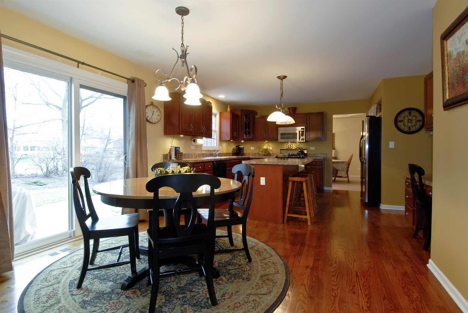 Real Estate Photography - 644 Dewig Ct, North Aurora, IL, 60542 - Kitchen / Breakfast Room