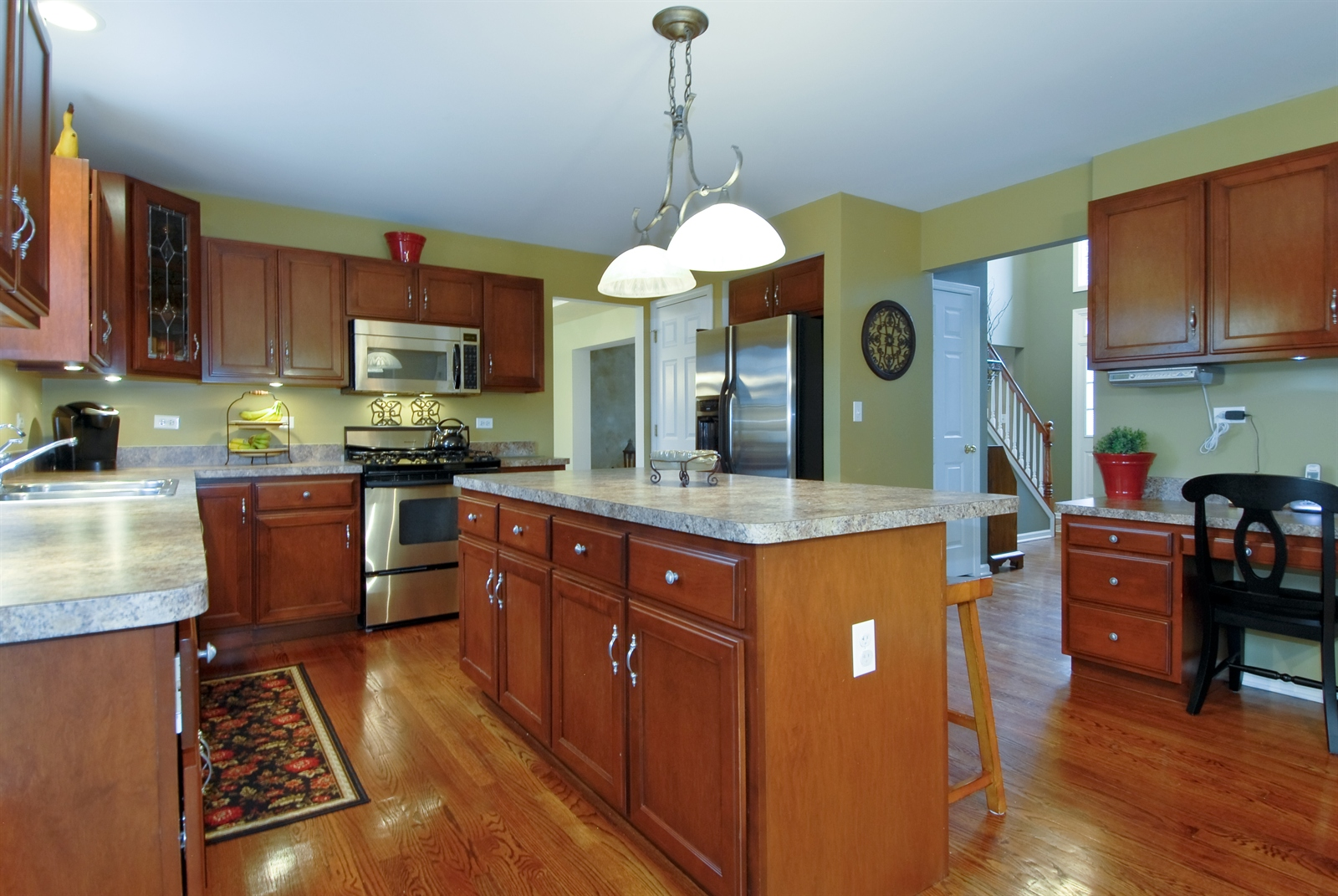 Real Estate Photography - 644 Dewig Ct, North Aurora, IL, 60542 - Kitchen
