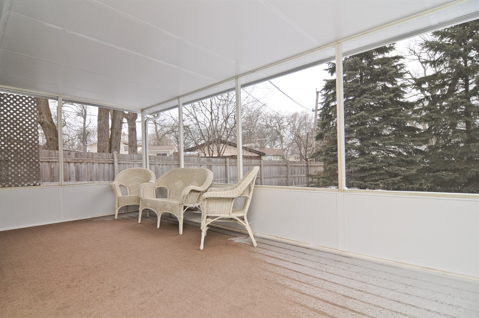 Real Estate Photography - 18658 Old Plank Rd, Wildwood, IL, 60030 - Sun Room