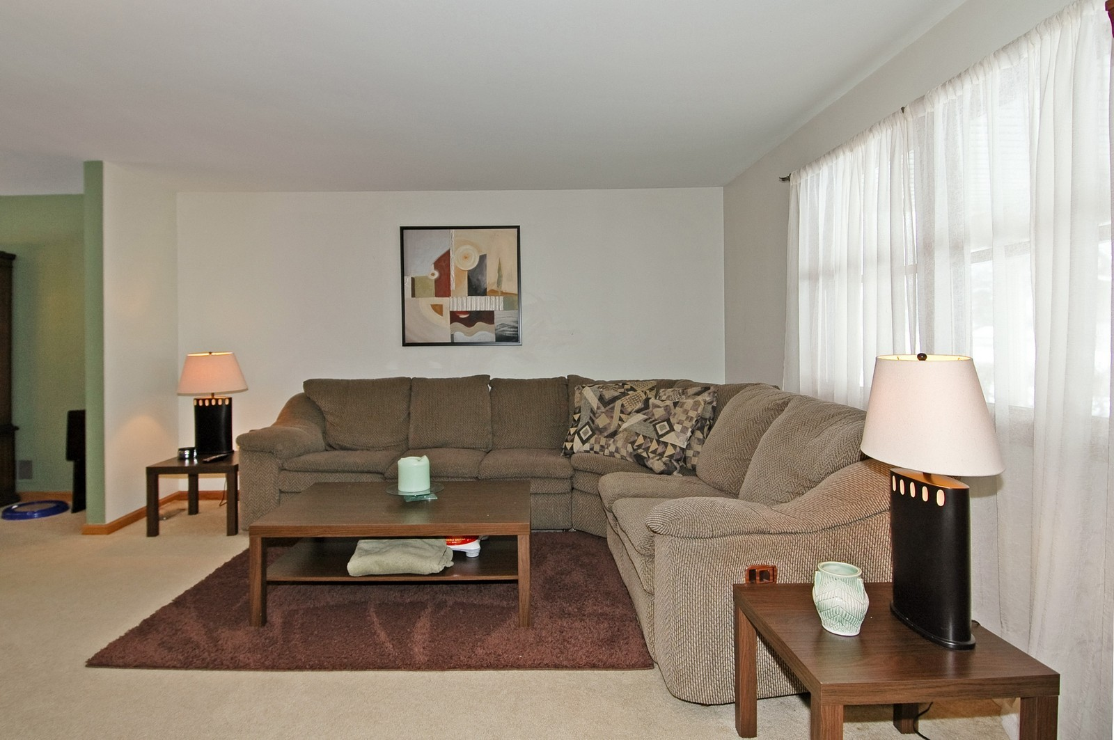 Real Estate Photography - 4603 Strong Rd, Crystal Lake, IL, 60014 - Living Room