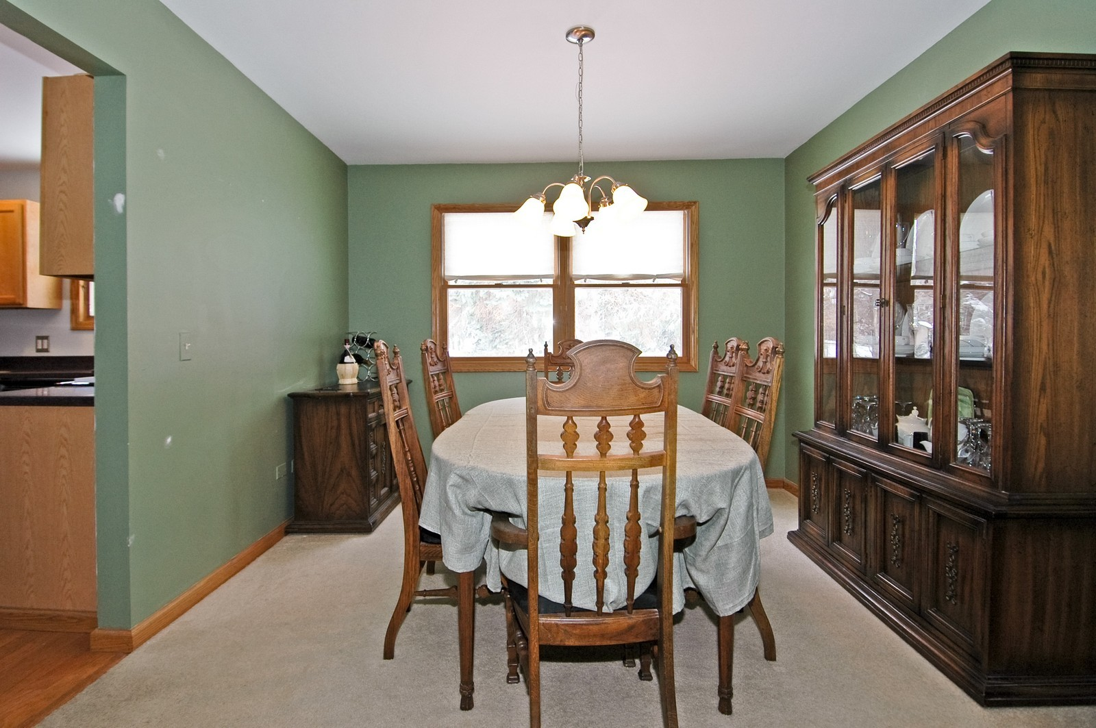 Real Estate Photography - 4603 Strong Rd, Crystal Lake, IL, 60014 - Dining Room