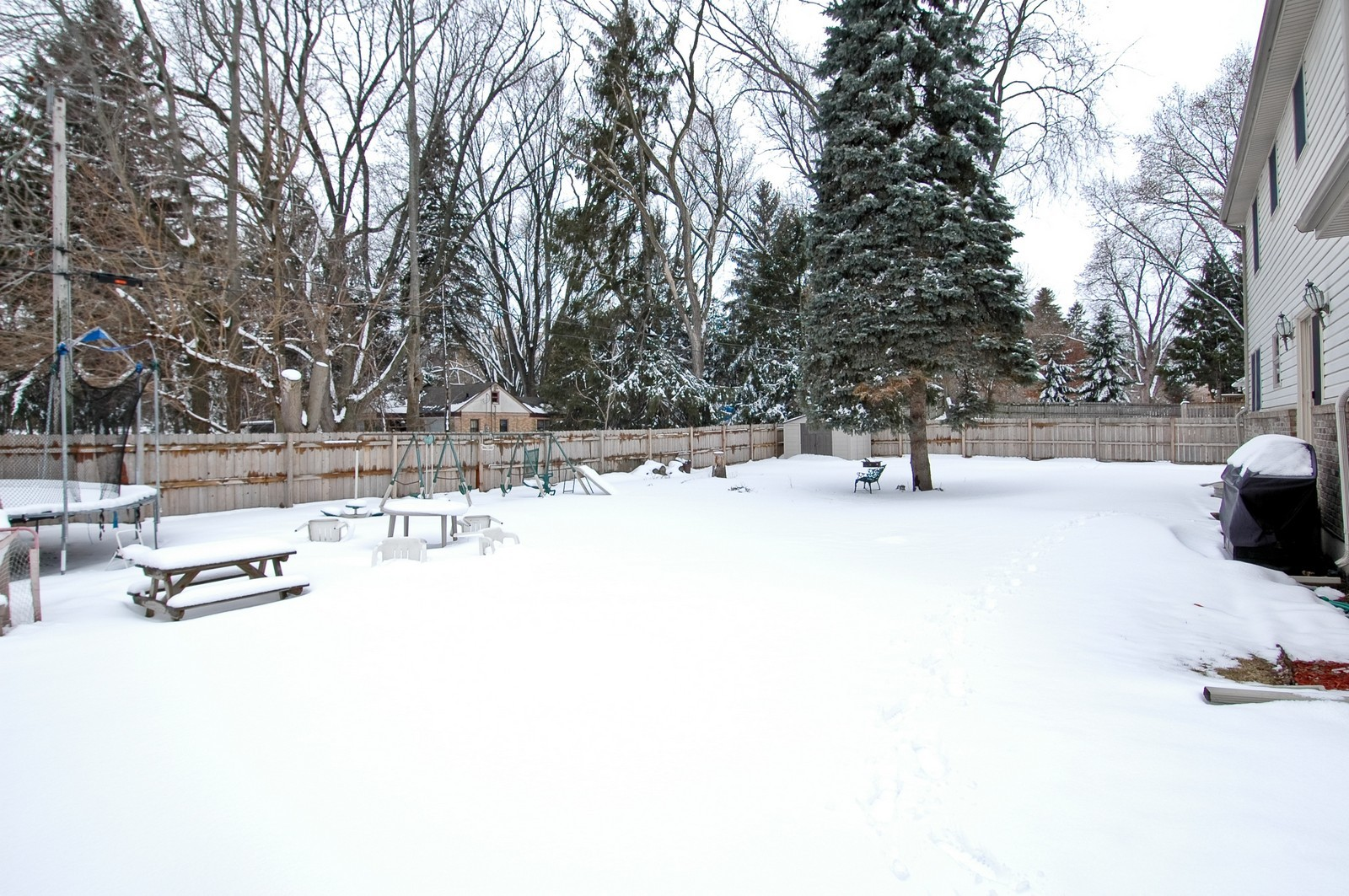Real Estate Photography - 4603 Strong Rd, Crystal Lake, IL, 60014 - Back Yard