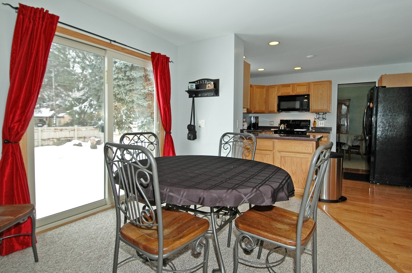 Real Estate Photography - 4603 Strong Rd, Crystal Lake, IL, 60014 - Dining Area