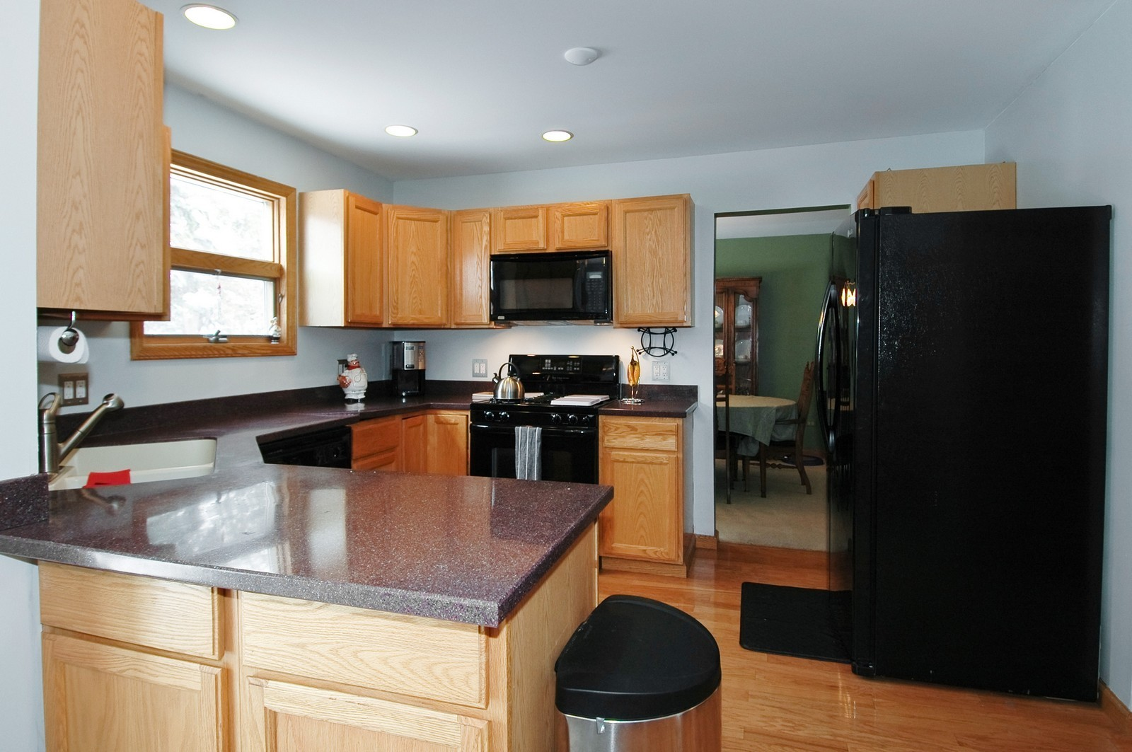 Real Estate Photography - 4603 Strong Rd, Crystal Lake, IL, 60014 - Kitchen