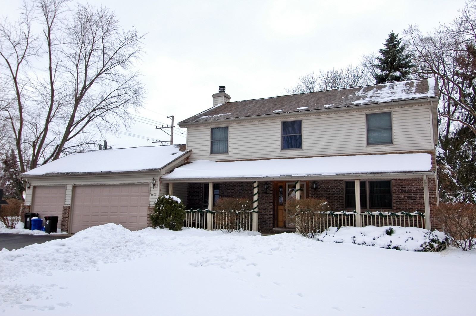 Real Estate Photography - 4603 Strong Rd, Crystal Lake, IL, 60014 - Front View