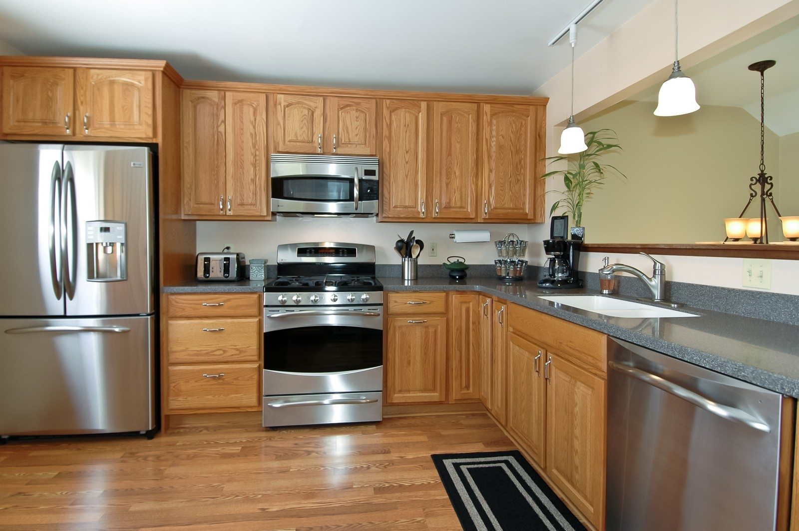 Real Estate Photography - 120 Springbrook Ct, McHenry, IL, 60050 - Kitchen