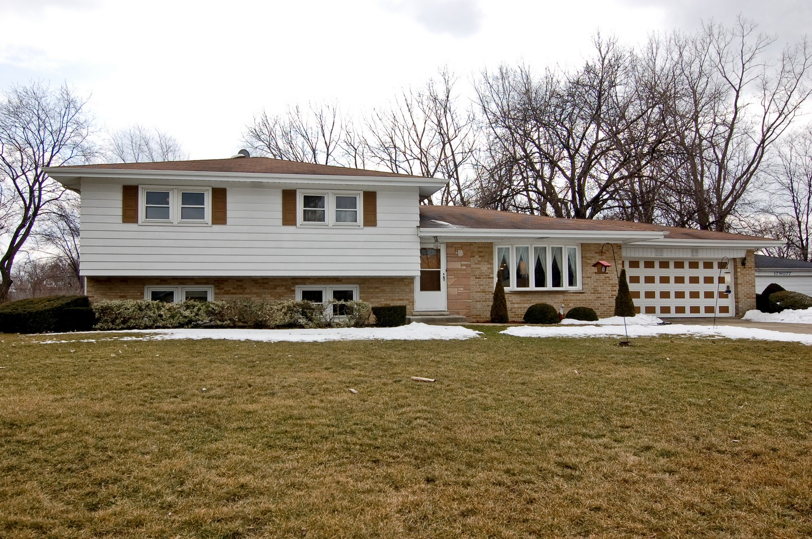 Real Estate Photography - 17W063 Bryn Mawr Ave, Bensenville, IL, 60106 - Front View