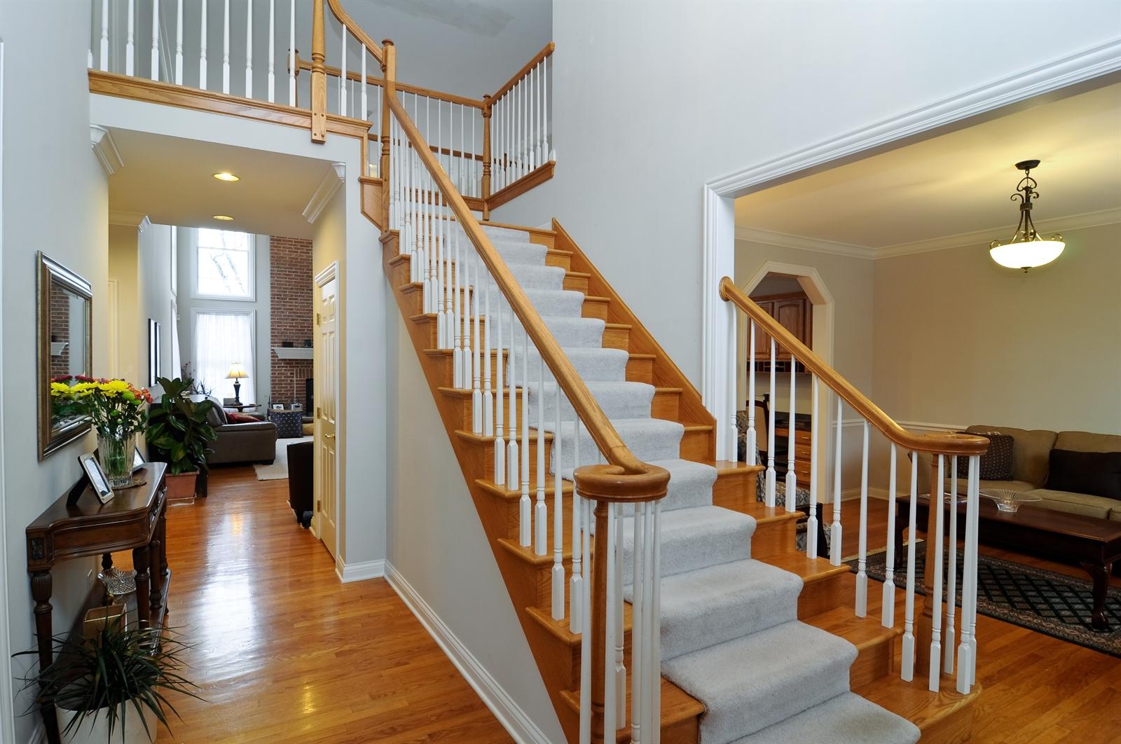 Real Estate Photography - 1020 Oakland, Barrington, IL, 60010 - Foyer