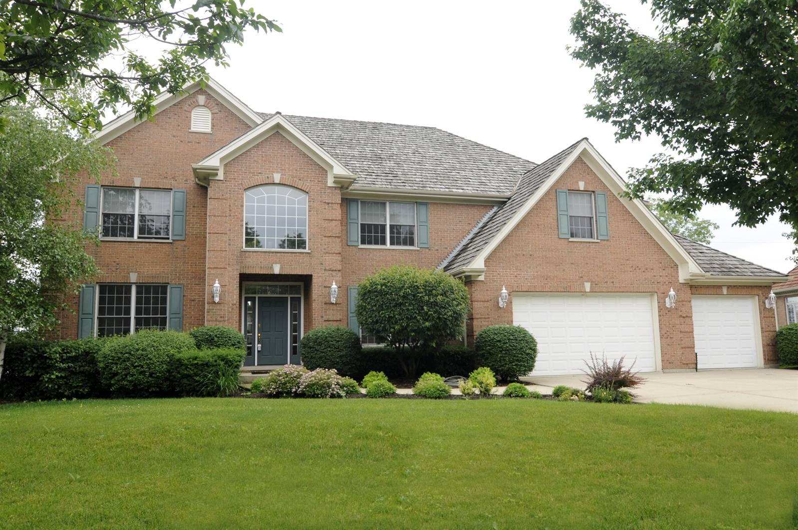 Real Estate Photography - 1020 Oakland, Barrington, IL, 60010 - Front View