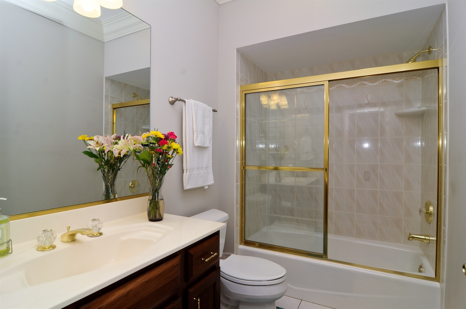 Real Estate Photography - 1020 Oakland, Barrington, IL, 60010 - Bathroom