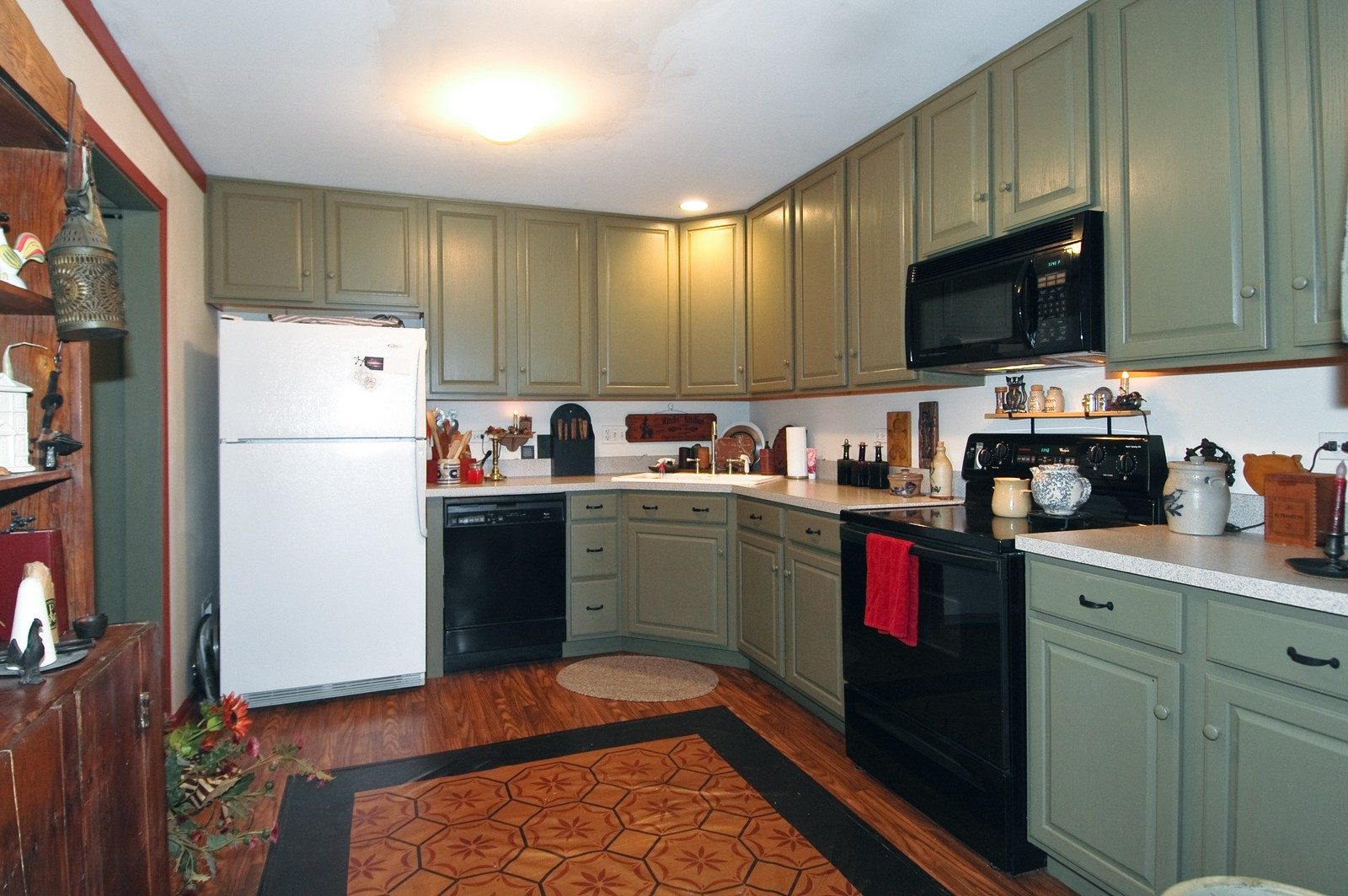 Real Estate Photography - 10520 Wakefield Ln, Huntley, IL, 60142 - Kitchen
