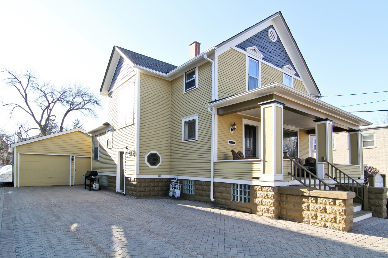 Real Estate Photography - 310 S Hale St, Wheaton, IL, 60187 - Side View