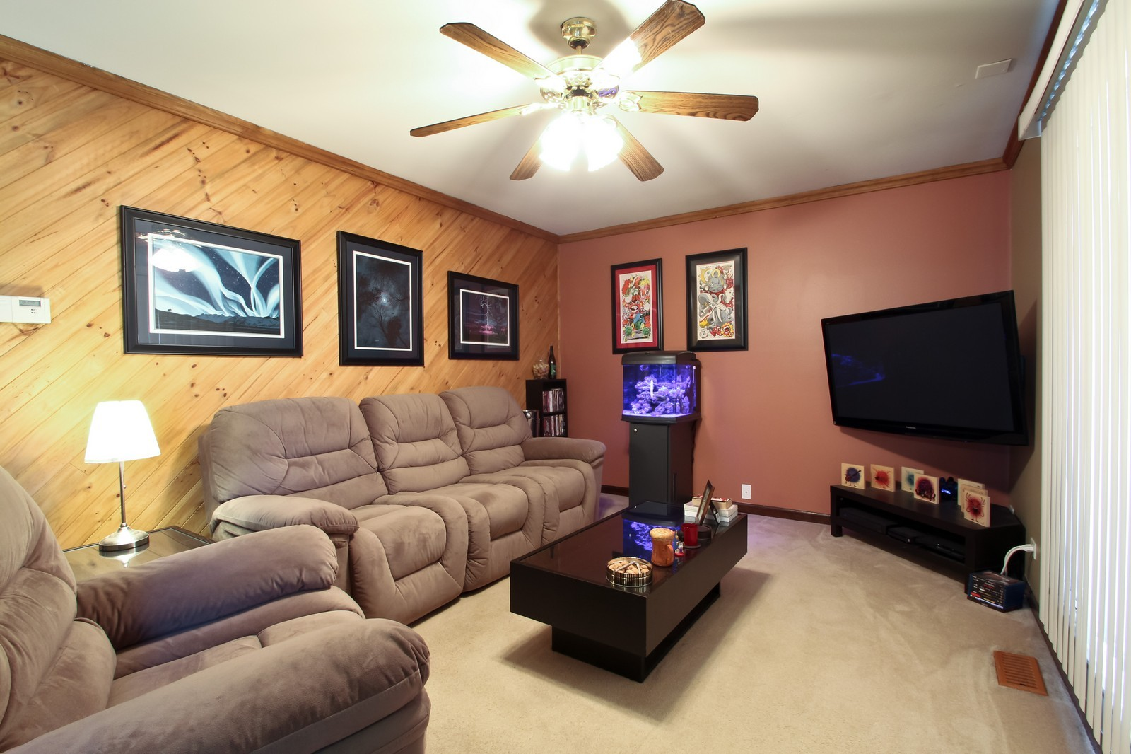 Real Estate Photography - 16141 Haven Ave, Orland Hills, IL, 60487 - Living Room