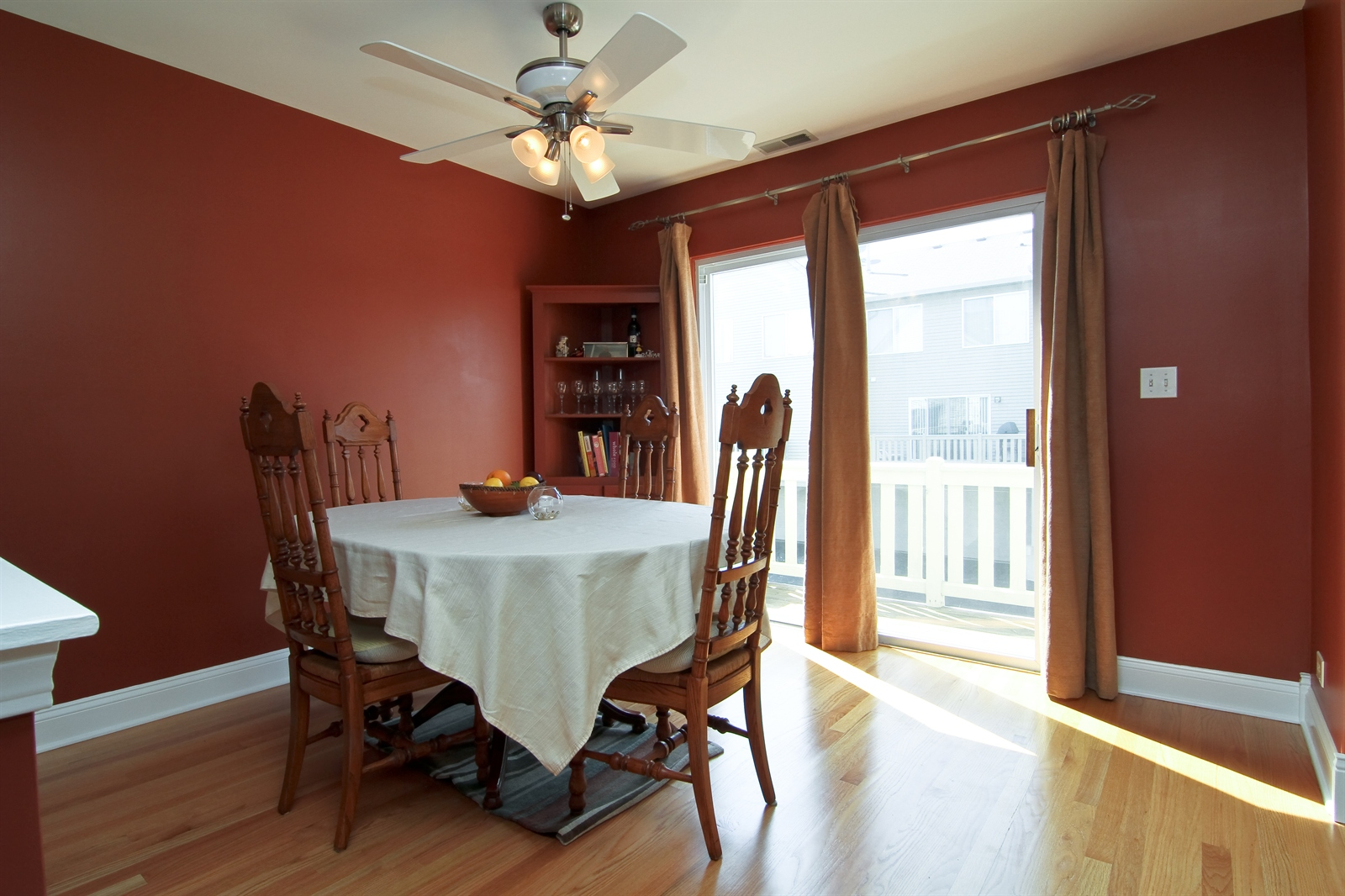 Real Estate Photography - 2765 Wodmere Dr, Darien, IL, 60561 - Dining Room