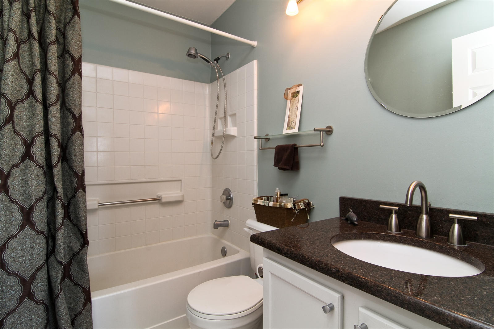 Real Estate Photography - 2765 Wodmere Dr, Darien, IL, 60561 - Bathroom
