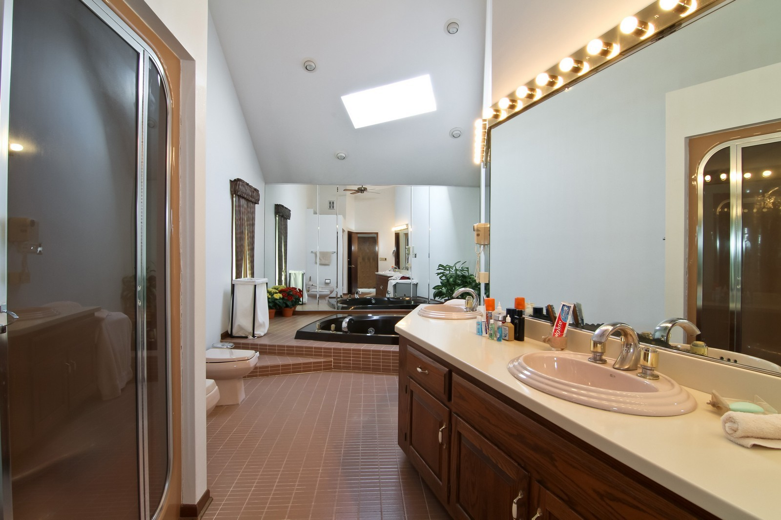 Real Estate Photography - 502 Midwest Club Pkwy, Oak Brook, IL, 60523 - Master Bathroom