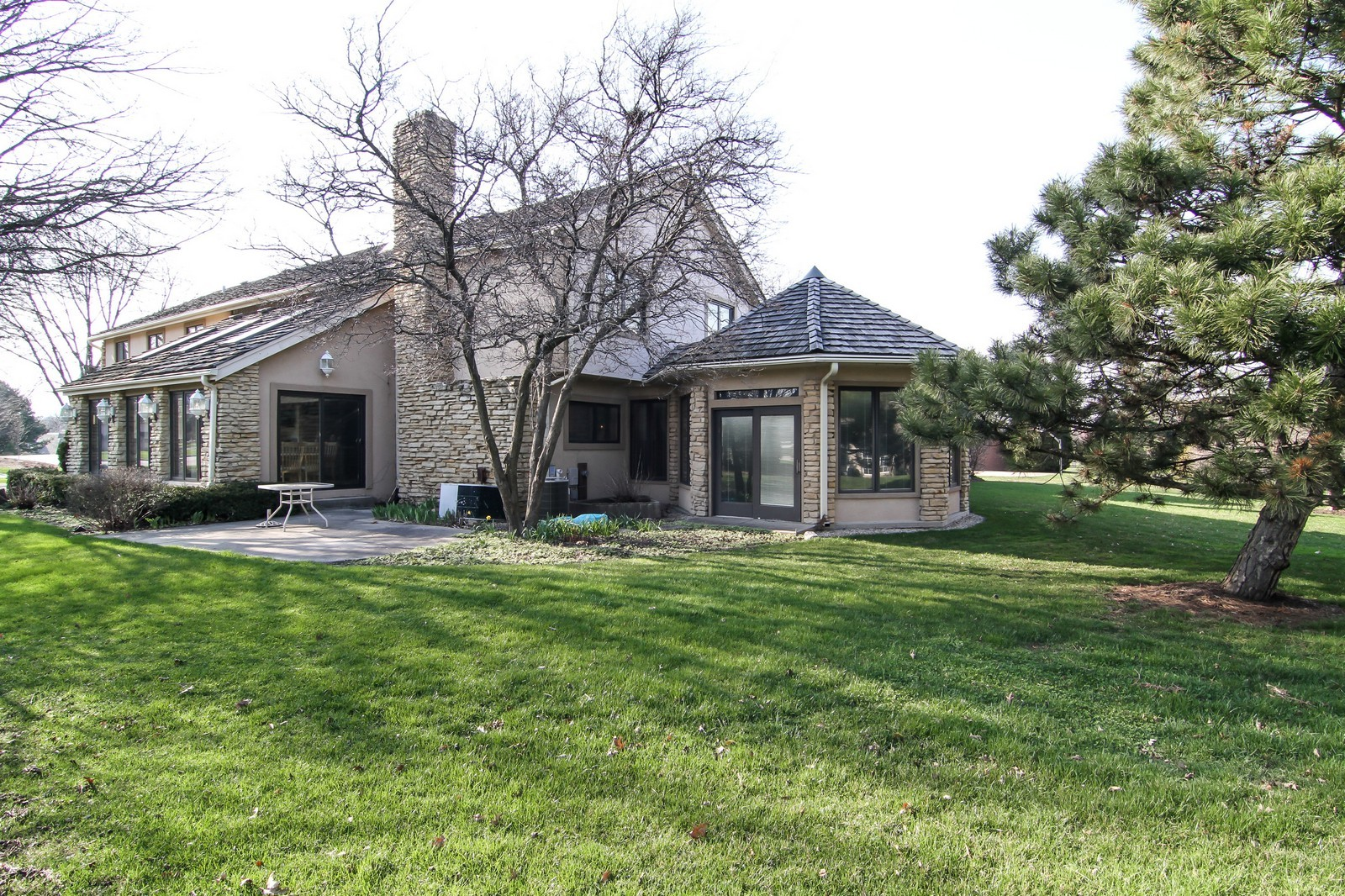 Real Estate Photography - 502 Midwest Club Pkwy, Oak Brook, IL, 60523 - Rear View
