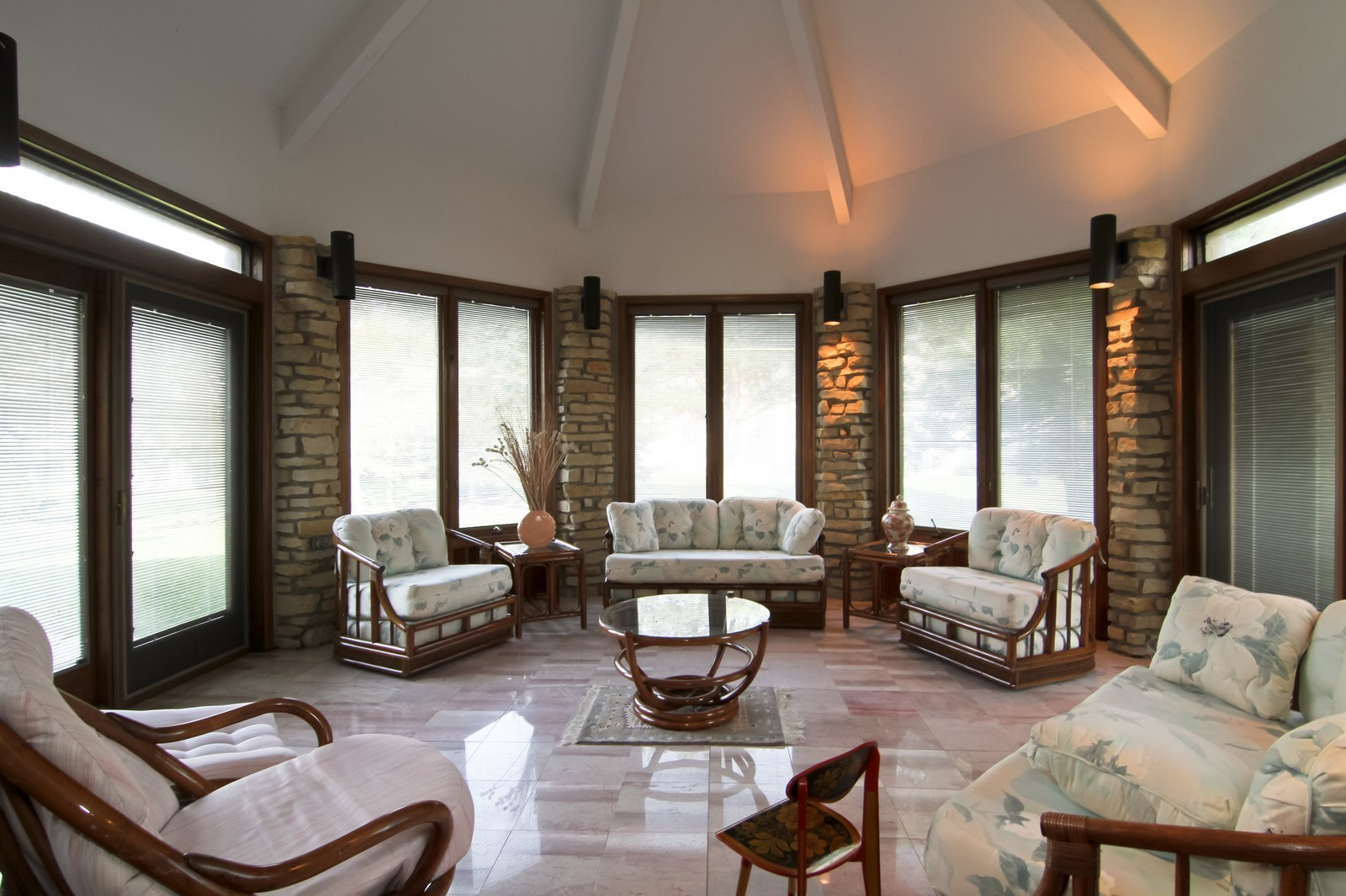Real Estate Photography - 502 Midwest Club Pkwy, Oak Brook, IL, 60523 - Sun Room