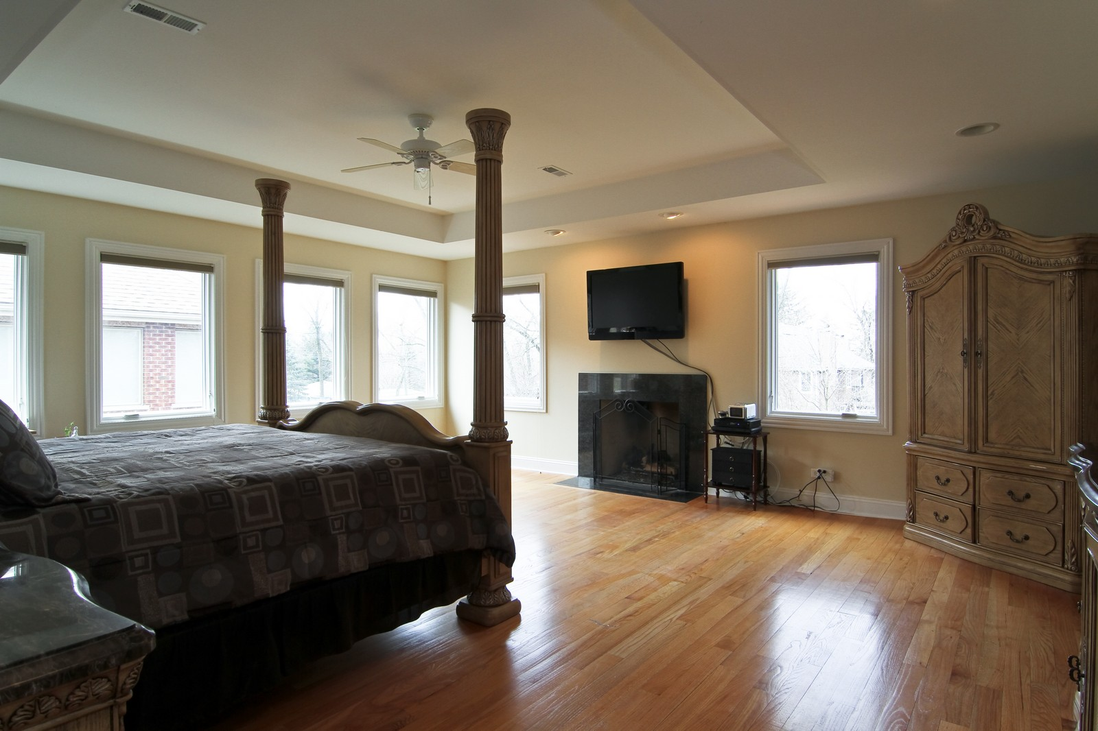 Real Estate Photography - 5626 Chase Ave, Downers Grove, IL, 60516 - Master Bedroom