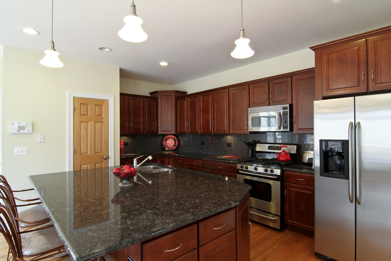 Real Estate Photography - 5626 Chase Ave, Downers Grove, IL, 60516 - Kitchen