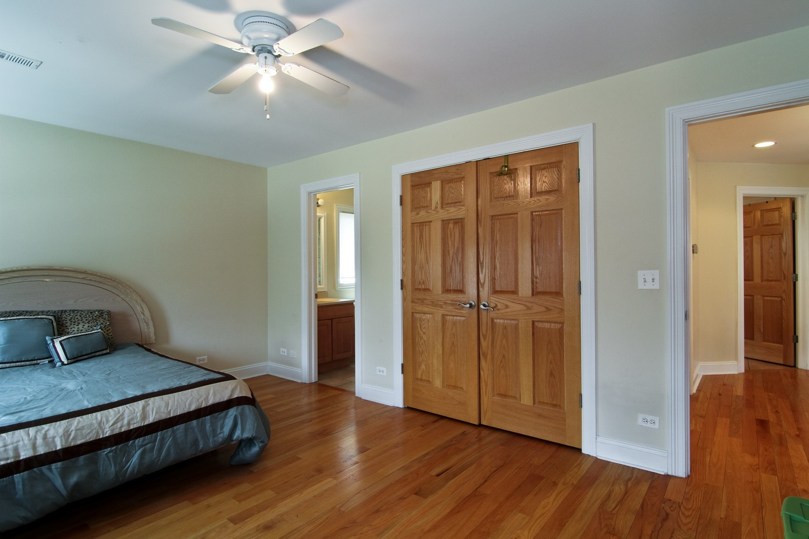 Real Estate Photography - 5626 Chase Ave, Downers Grove, IL, 60516 - Bedroom
