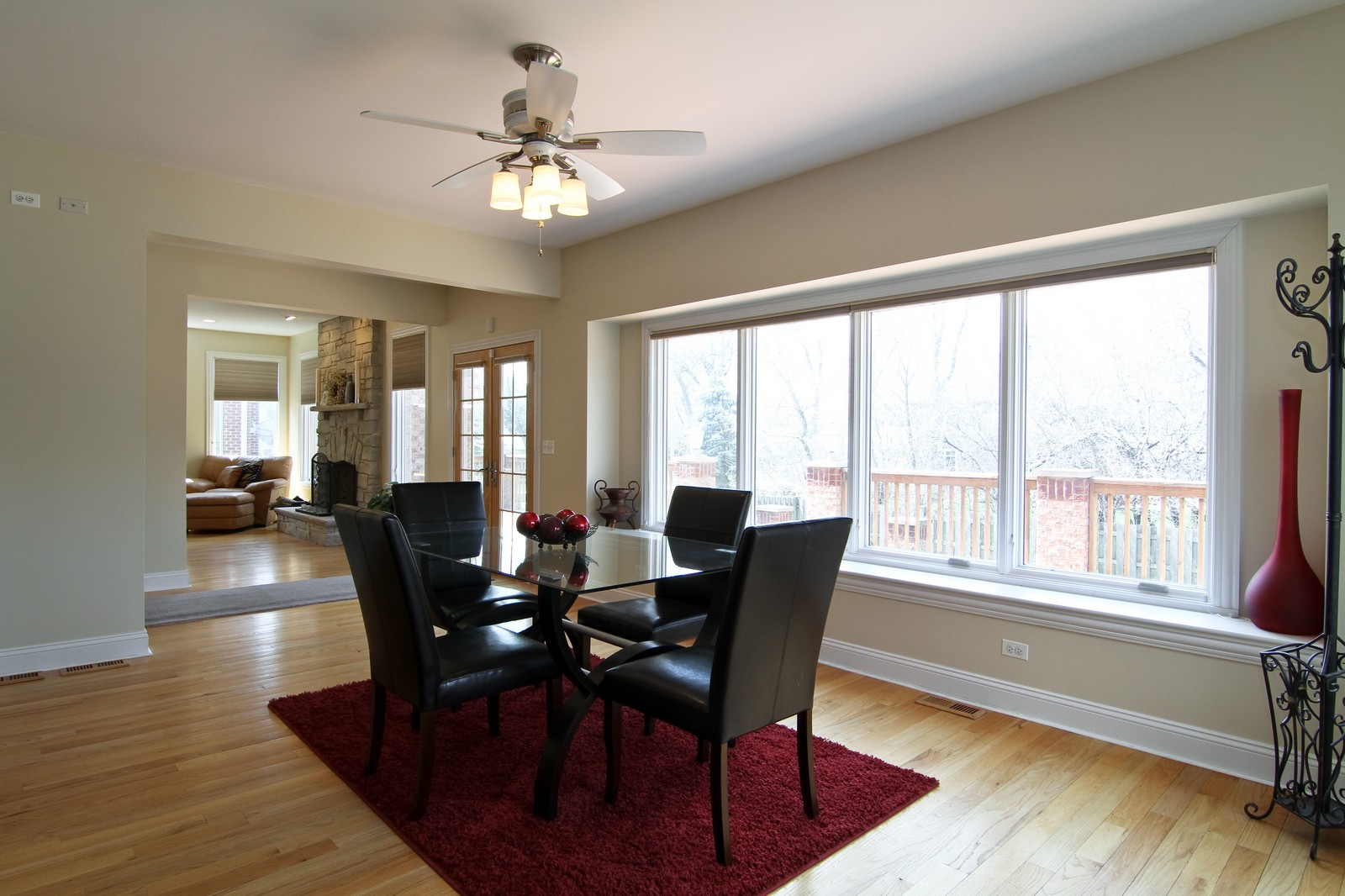 Real Estate Photography - 5626 Chase Ave, Downers Grove, IL, 60516 - Breakfast Area