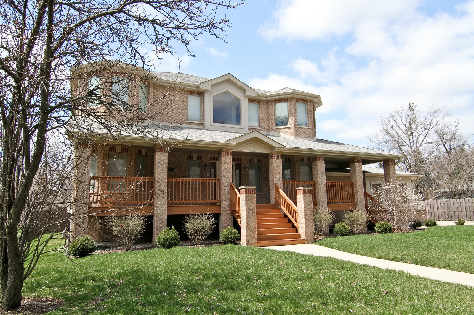 Real Estate Photography - 5626 Chase Ave, Downers Grove, IL, 60516 - Front View