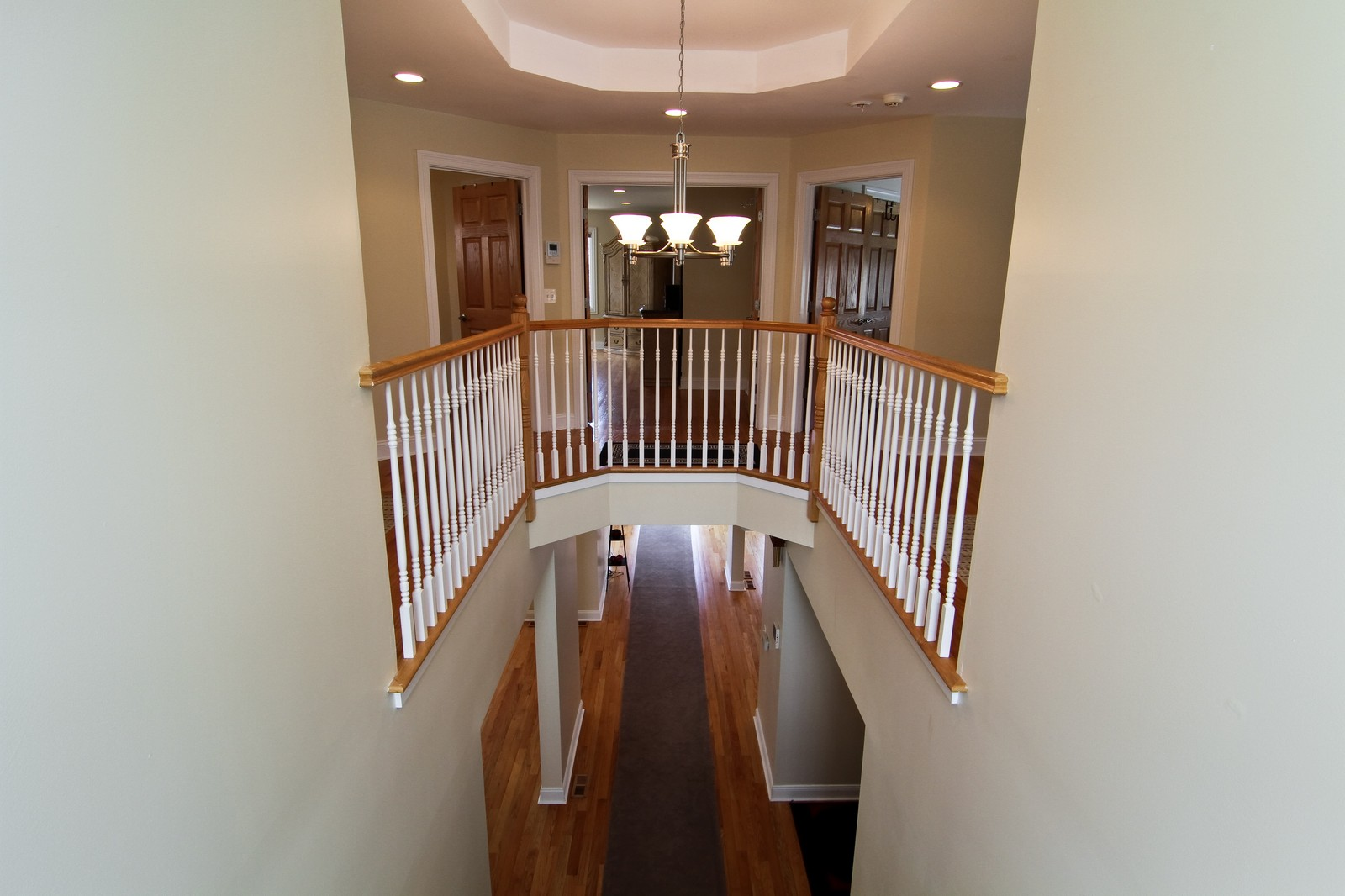 Real Estate Photography - 5626 Chase Ave, Downers Grove, IL, 60516 - Hallway