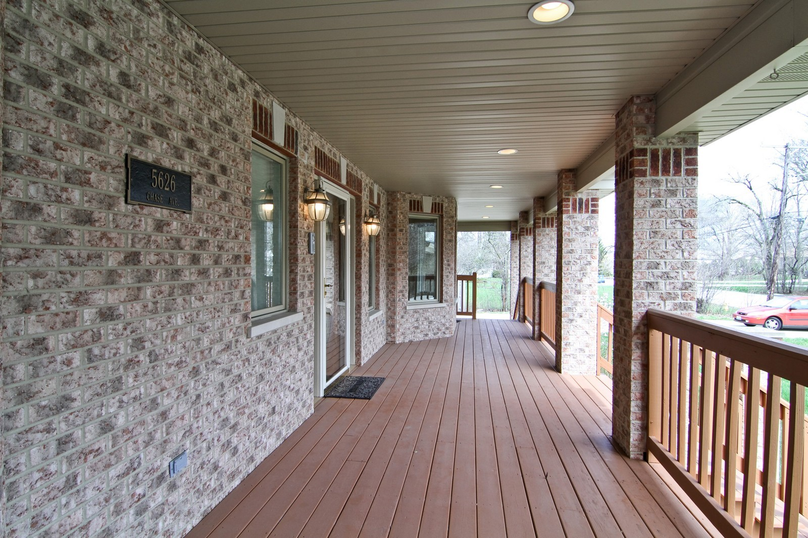 Real Estate Photography - 5626 Chase Ave, Downers Grove, IL, 60516 - Porch