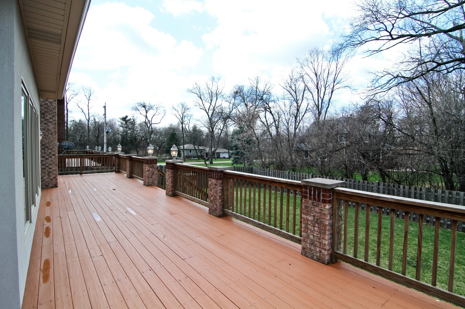 Real Estate Photography - 5626 Chase Ave, Downers Grove, IL, 60516 - Deck