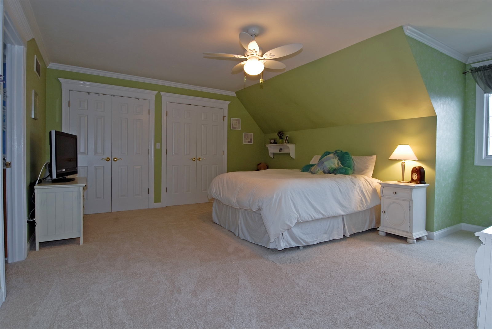 Real Estate Photography - 4N481 Samuel Clemens Dr, Saint Charles, IL, 60175 - 3rd Bedroom