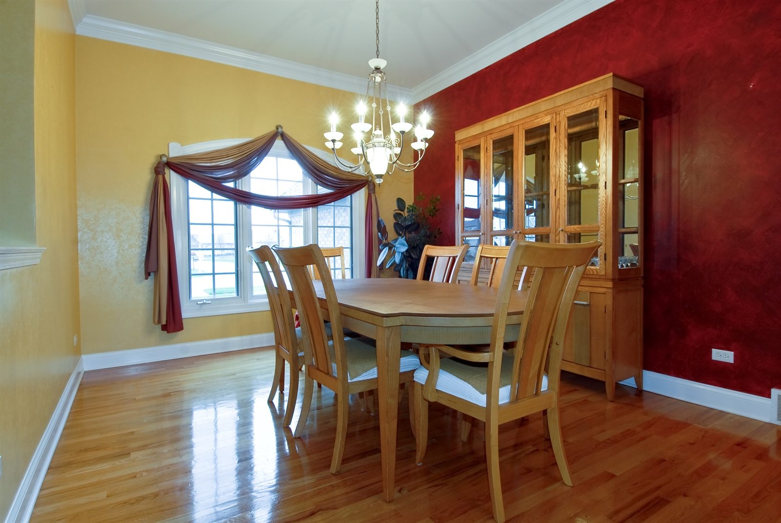 Real Estate Photography - 4N481 Samuel Clemens Dr, Saint Charles, IL, 60175 - Dining Room