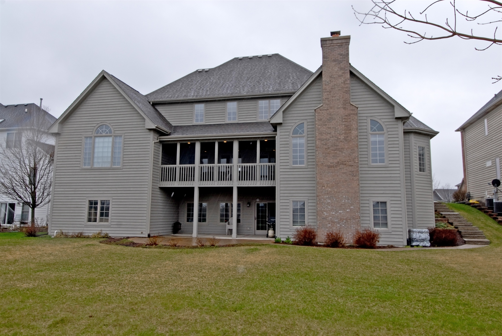 Real Estate Photography - 4N481 Samuel Clemens Dr, Saint Charles, IL, 60175 - Rear View
