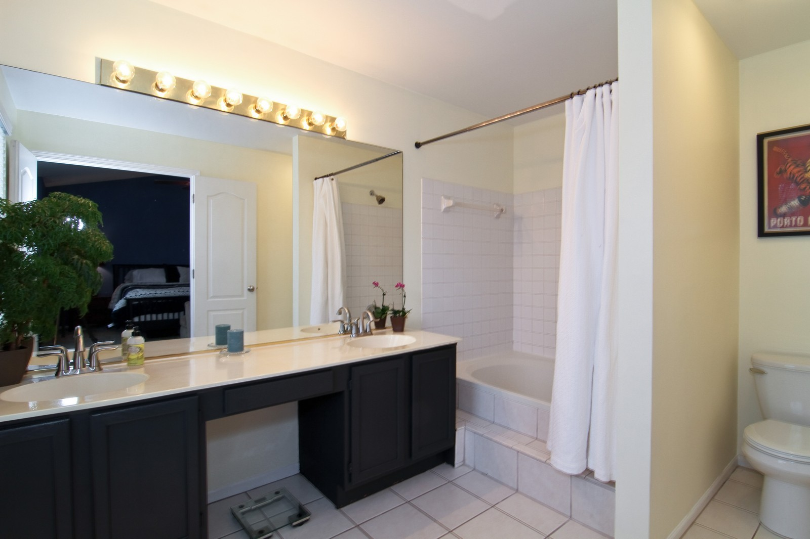 Real Estate Photography - 1916 Brighton, Downers Grove, IL, 60516 - Master Bathroom