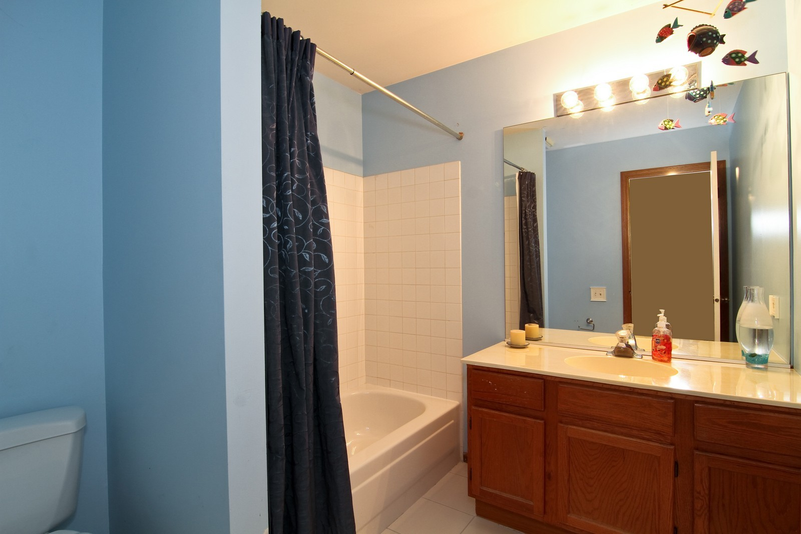 Real Estate Photography - 1916 Brighton, Downers Grove, IL, 60516 - Bathroom