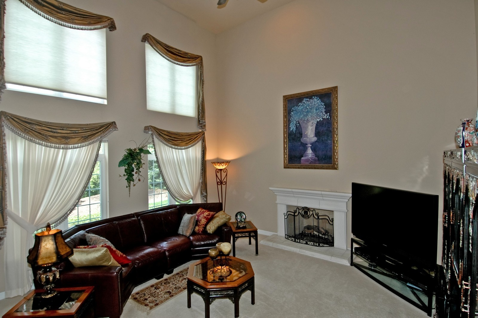 Real Estate Photography - 1001 Marble Ct, Lake in the Hills, IL, 60156 - Location 2