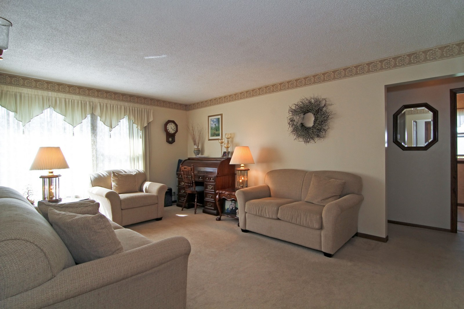 Real Estate Photography - 4605 Woodward Ave, Downers Grove, IL, 60515 - Living Room